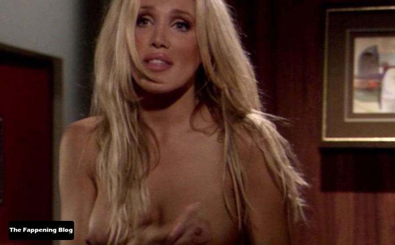 Amanda Swisten Nude Sexy 20