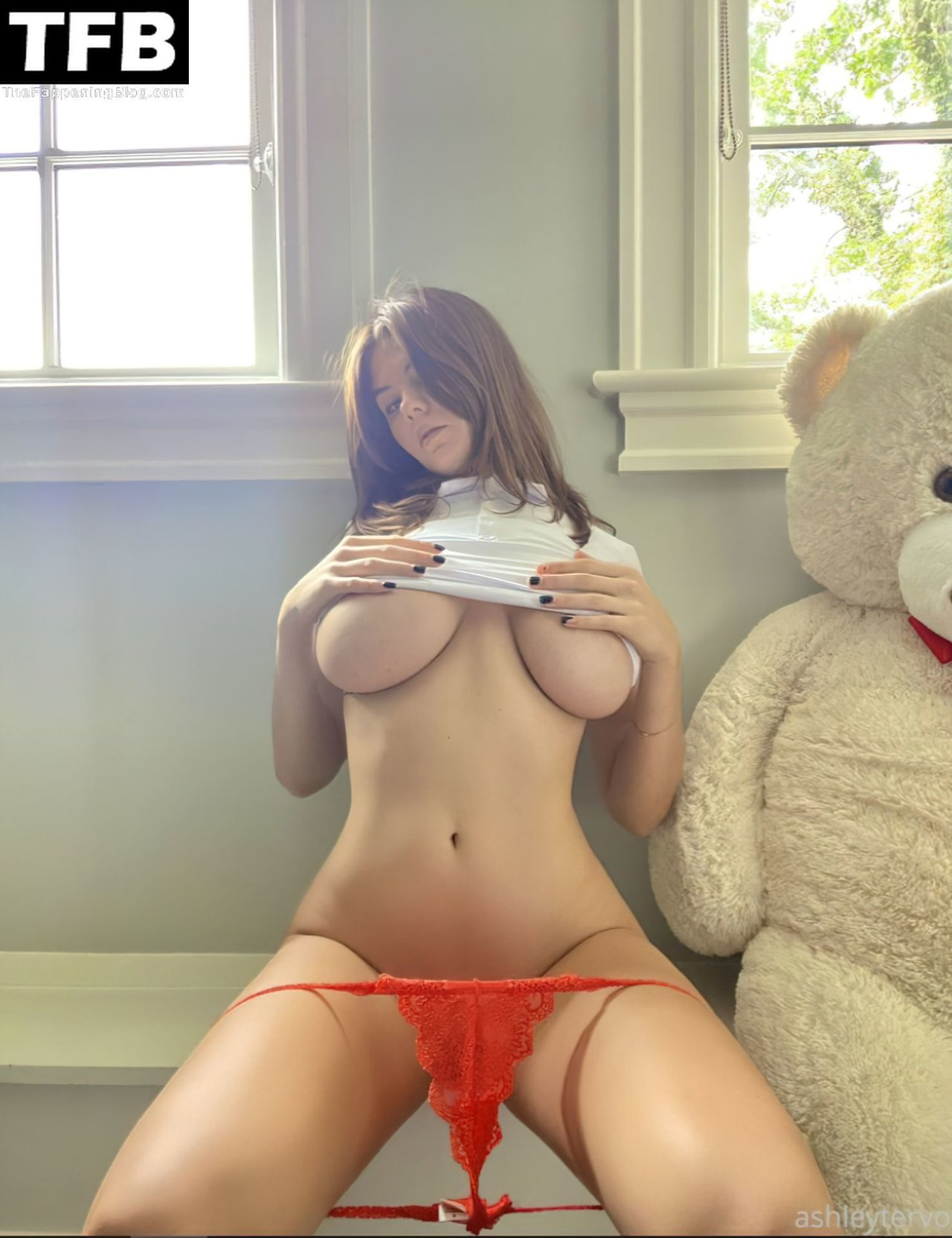 Ashley Tervort Topless Tits 1