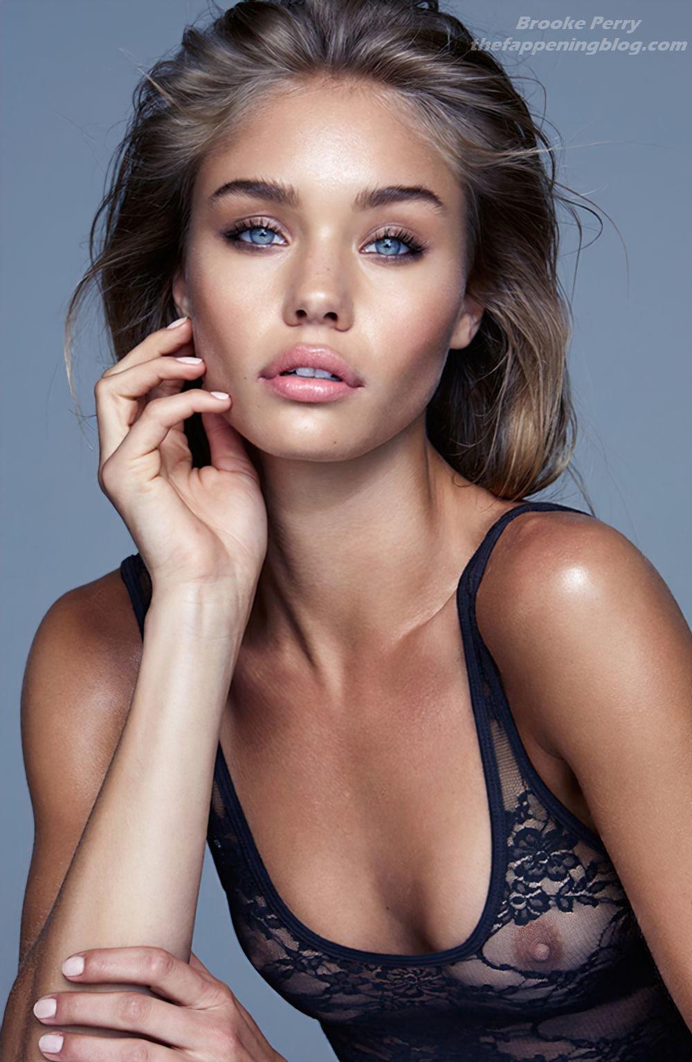Brooke Perry Nude 1
