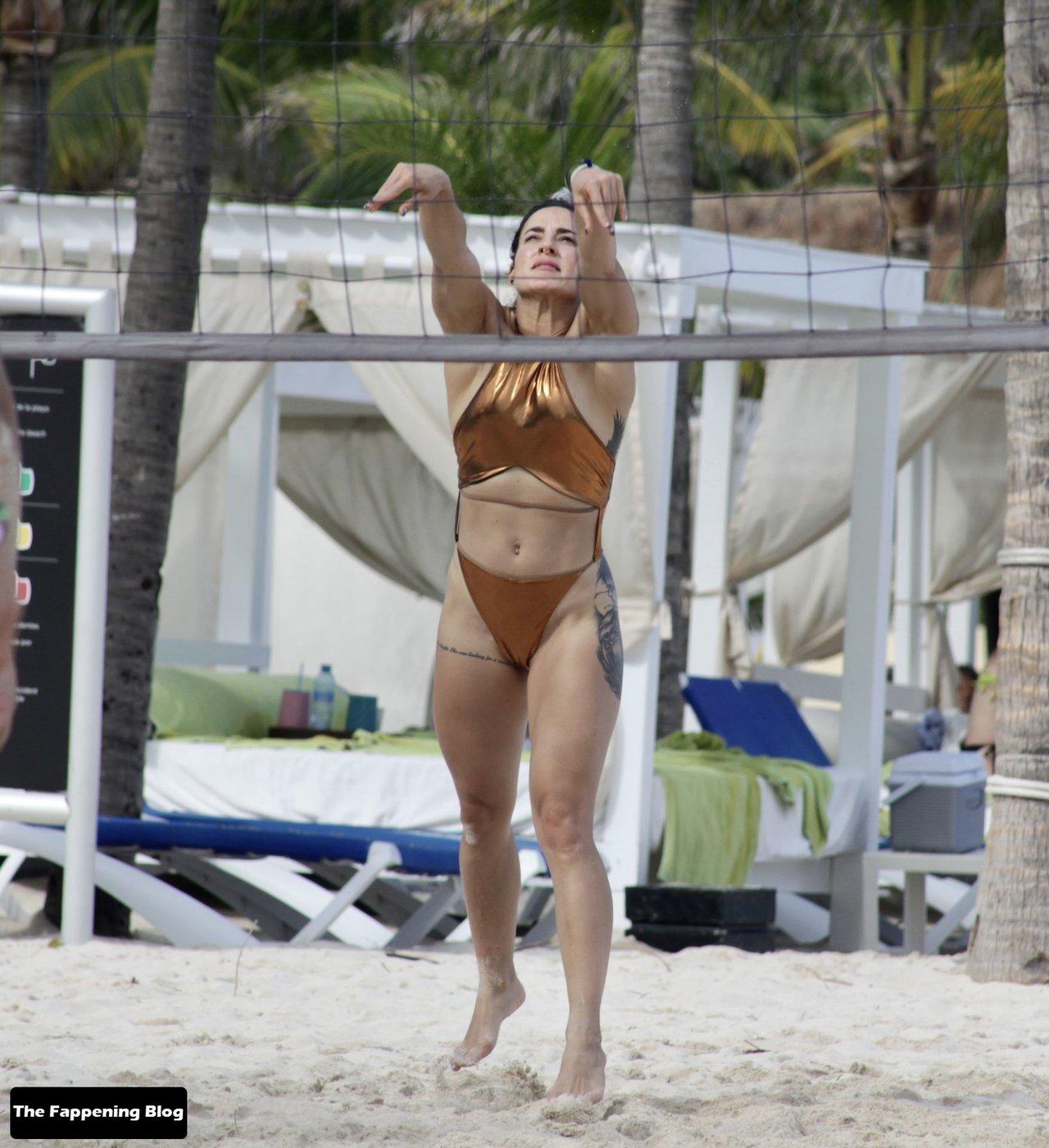 Cara Maria Sorbello on Beach 8