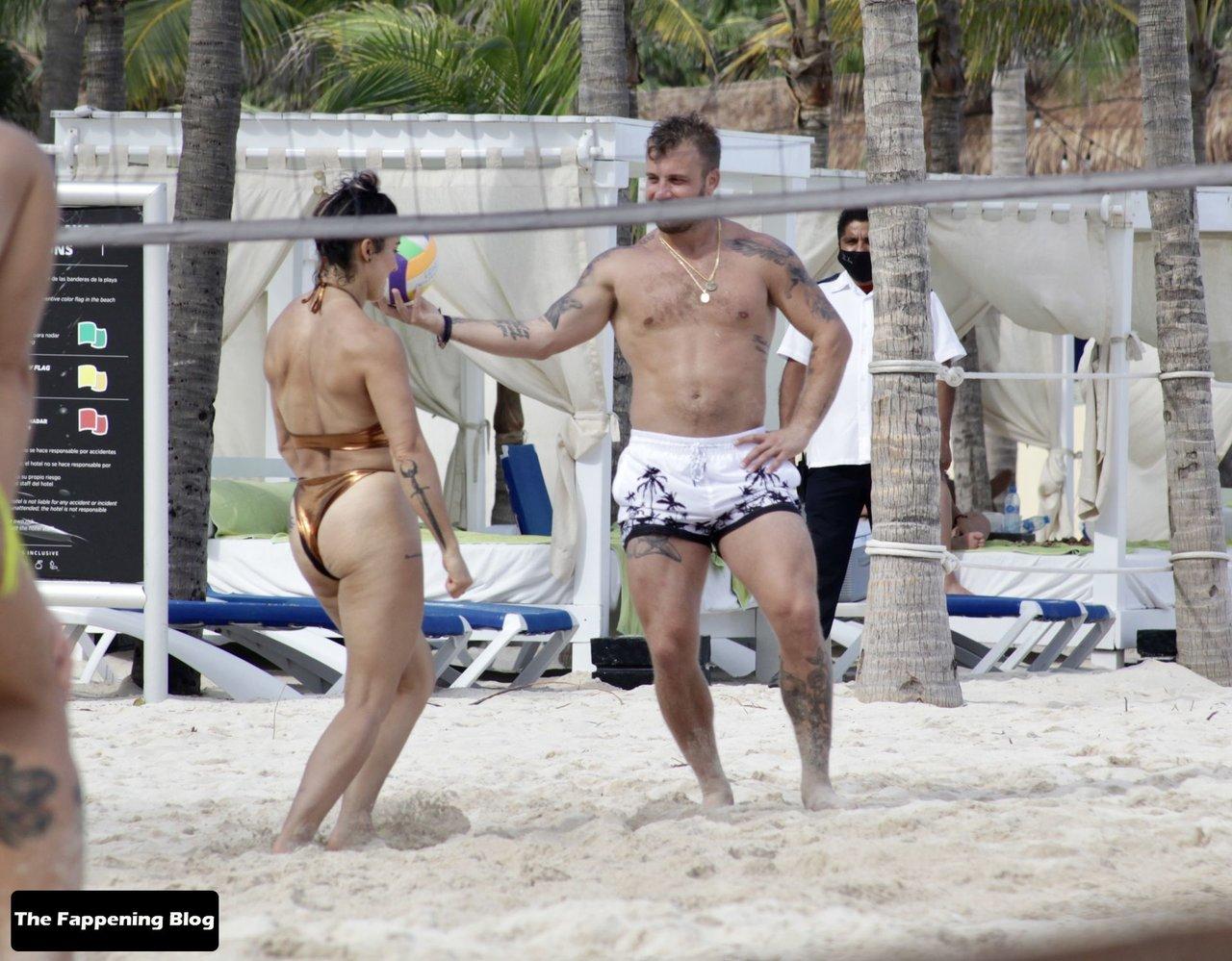 Cara Maria Sorbello on Beach 10