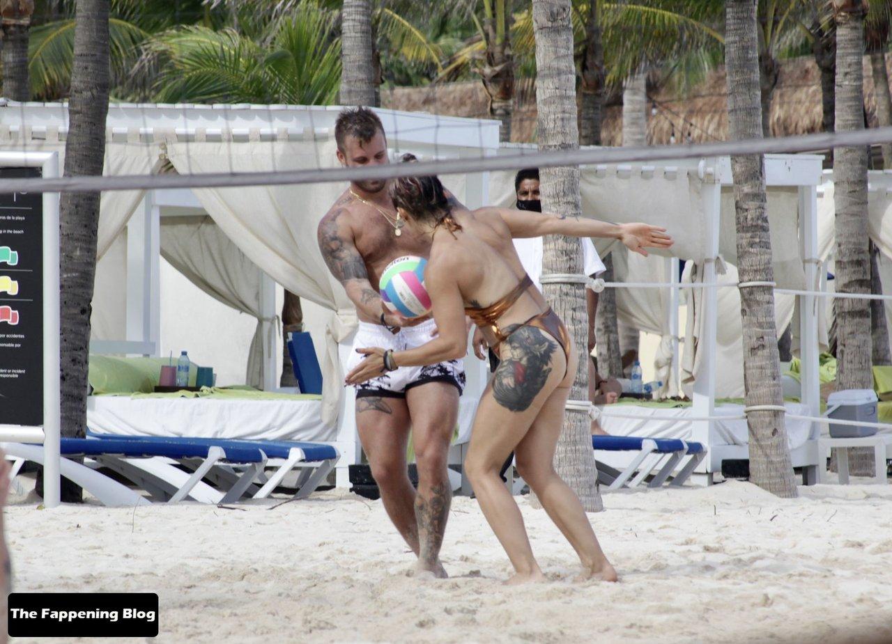 Cara Maria Sorbello on Beach 13