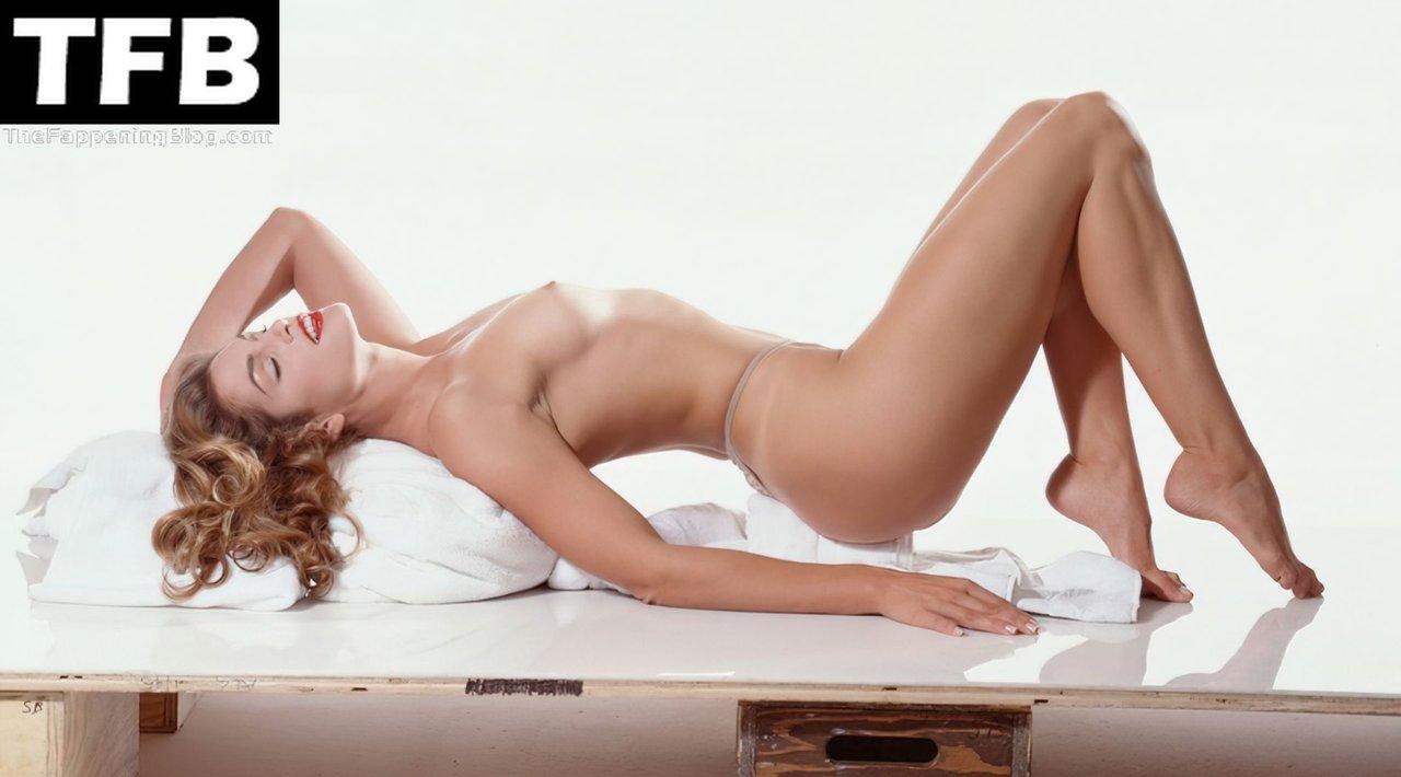 Cindy Crawford Nude 1