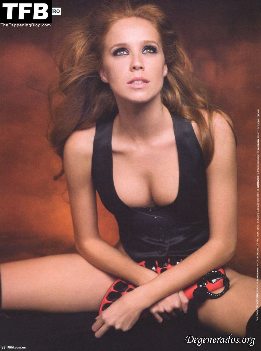 Cristina Castano Nude Sexy 10