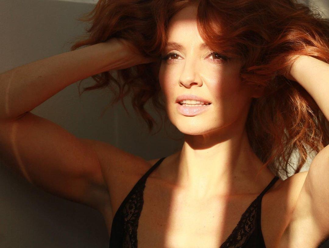 Cristina Castano Nude Sexy 17