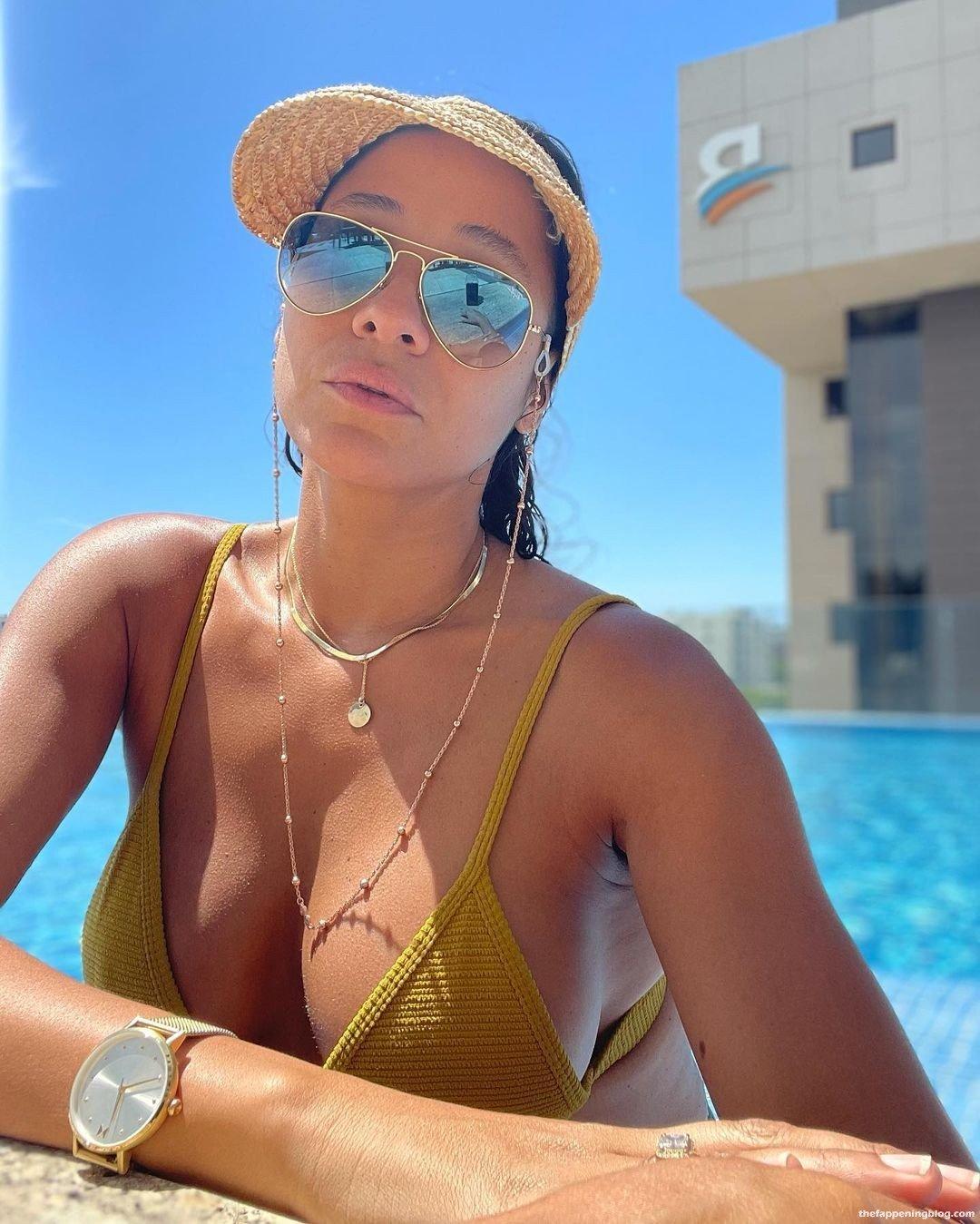 Dania Ramirez Sexy 12