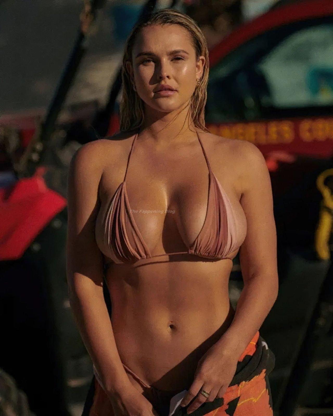 Kinsey Wolanski Sexy 1