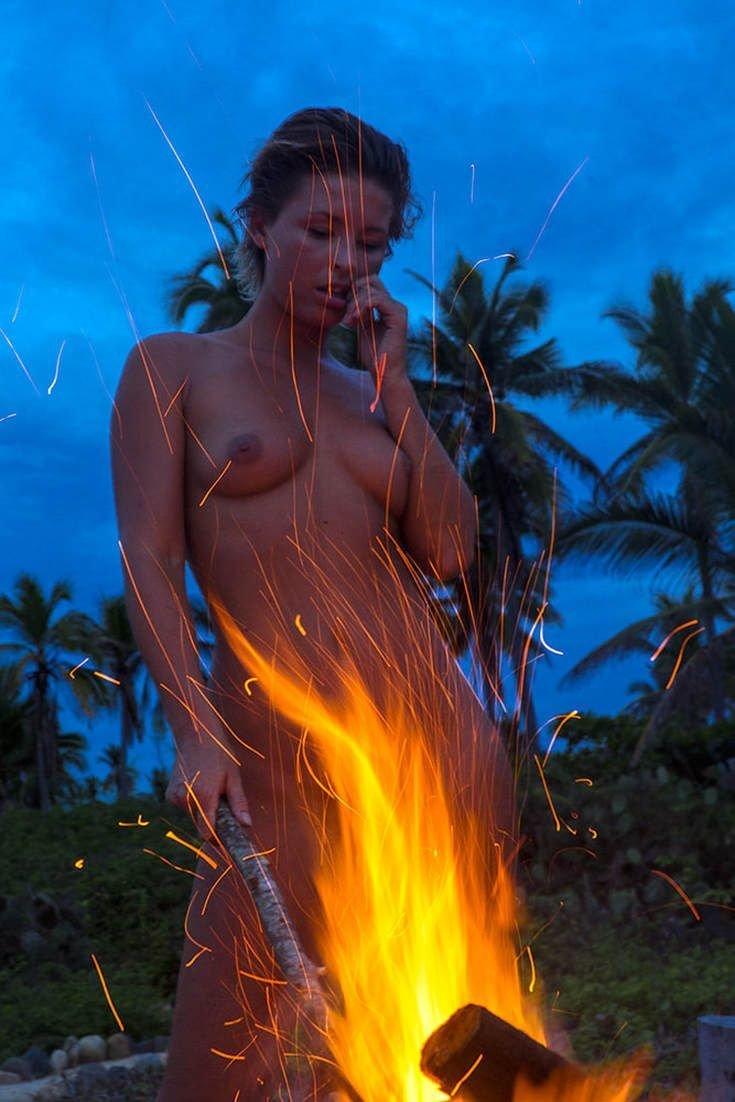 Marisa Papen Nude Sexy 16