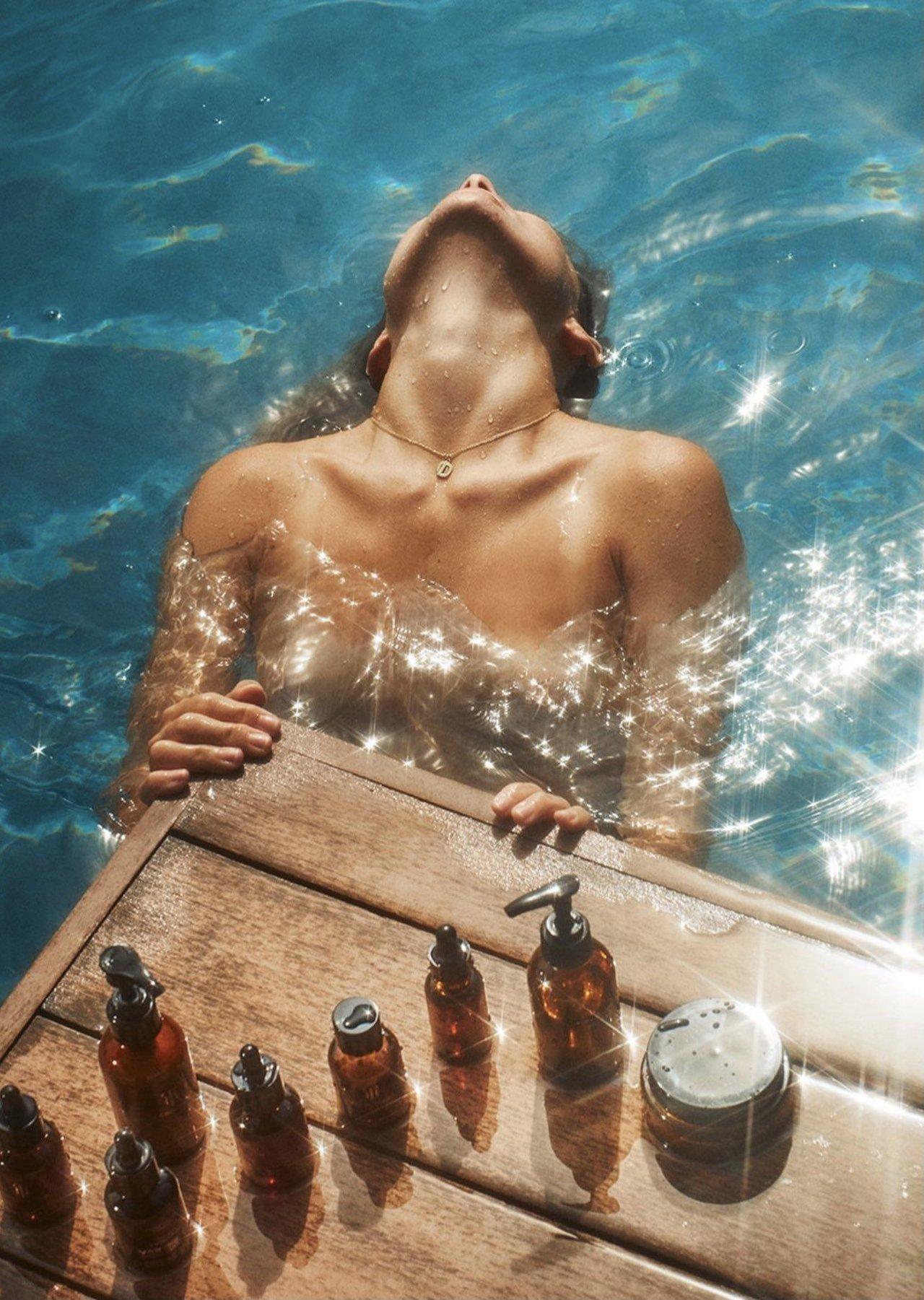 Olivia Wilde Nude Topless 17