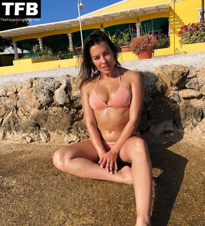 Sandra Hinojosa Nude Sexy 3