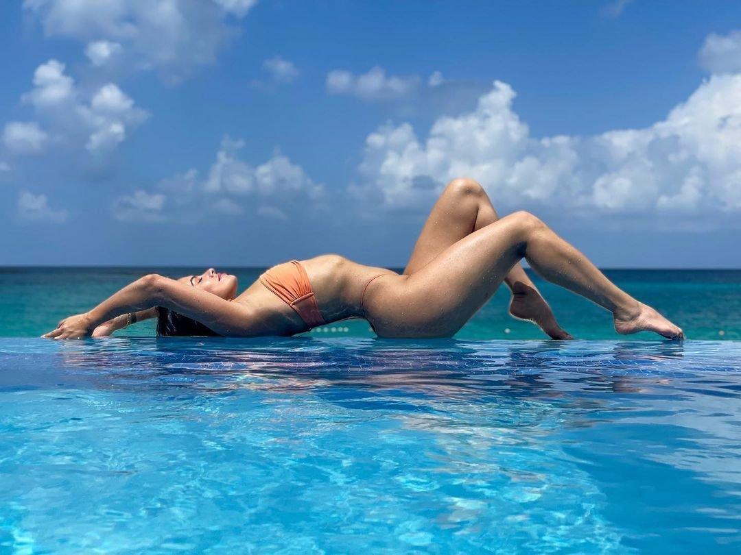 Sandra Hinojosa Nude Sexy 10